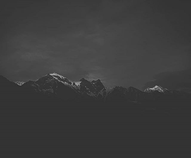 #blackandwhite #liecaphotography #mountains #huaweip10 #huaweiphotography #mobilephotography